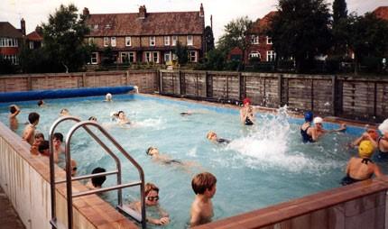 School_Pool_1986